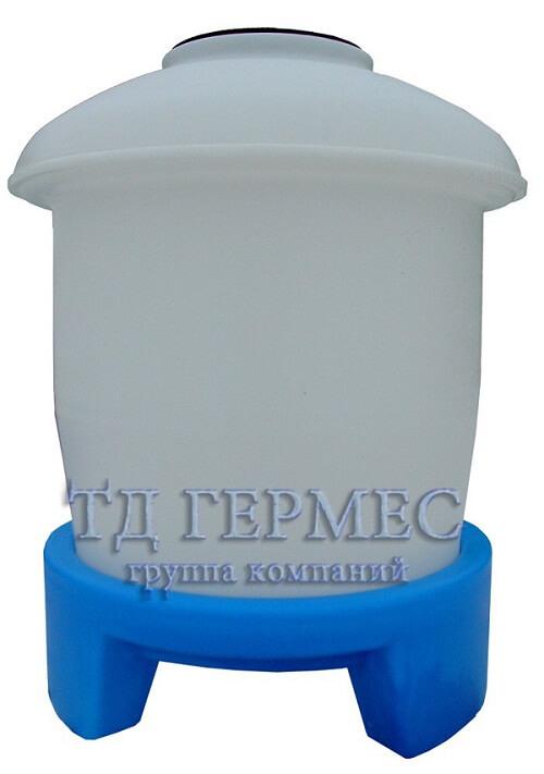 Пластиковый бак 610 л с подставкой (610ГРПК2) 1