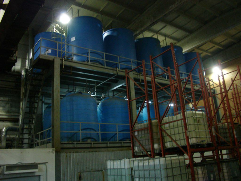 Пластиковые емкости на 8000 л ( 8000 ВФК 2 ) , для слабых растворов кислот гальванического производства