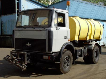 Транспортная горизонтально цилиндрическая емкость на опорах на 2000 л ( 2000 НФК , коммунальной техники