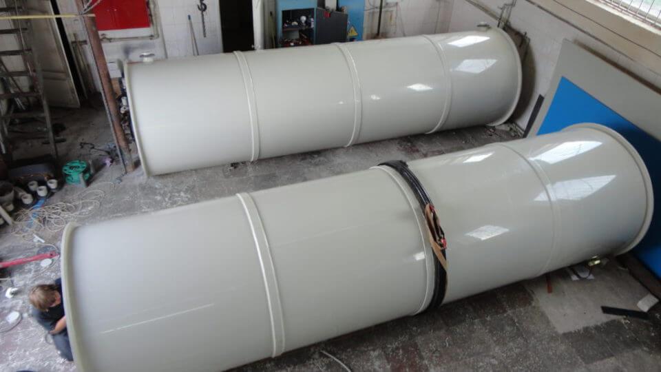 Фото №1. Емкость из ПП Ø1600 мм Н=5800 мм на 11,65 м³ для технической воды. (Вид 1)