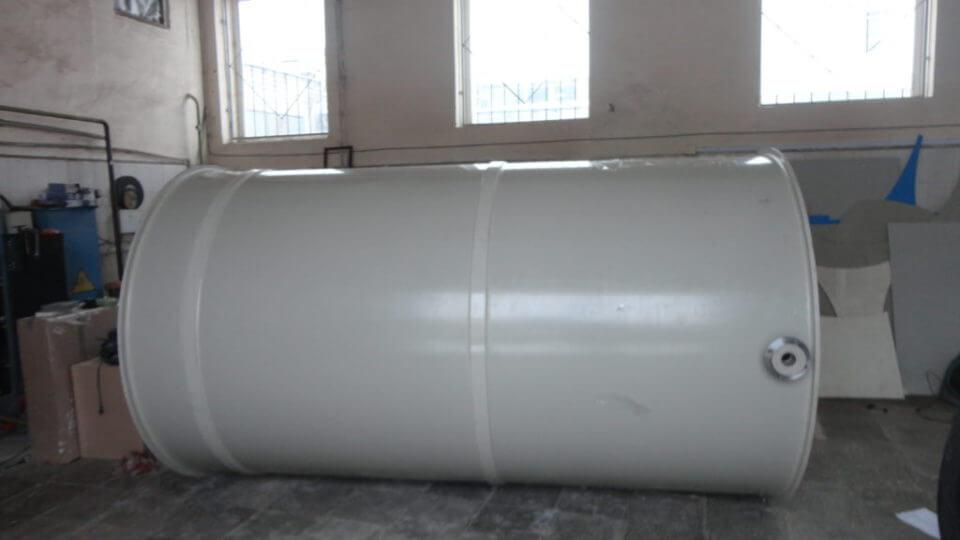 Фото №1. Емкость из ПП цилиндрическая Ø1600 Н=3200 на 6,5 м³ (техн. вода). (Вид 1)