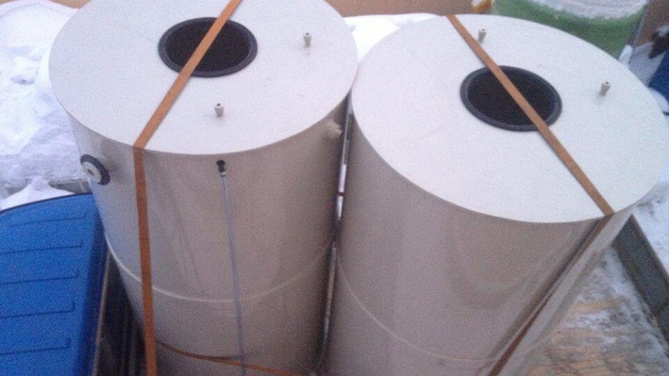 Фото №1. Емкости из ПП для питьевой воды с уровнемером Ø1,4 h 2.7 м. (Вид 1)