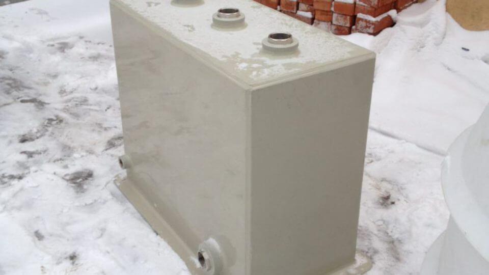 Фото №1. Бак 900х440х750 мм для фильтрации бассейнов. (Вид 1)