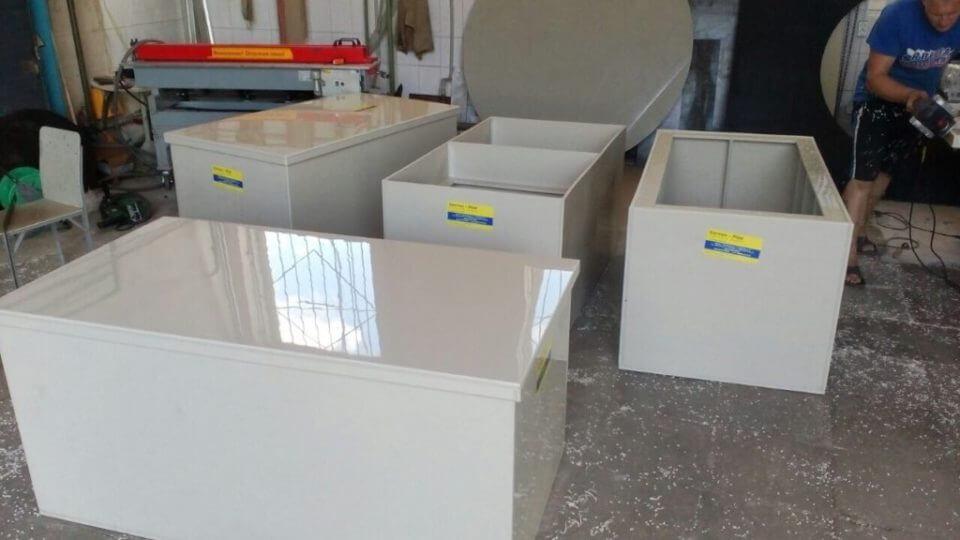 Фото №1. Емкости с крышкой для очистных сооружений. (Вид 1)
