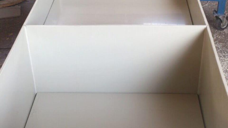 Фото №1. Емкости с плавающими крышками под очистные для прудов 1500х800х700. (Вид 1)