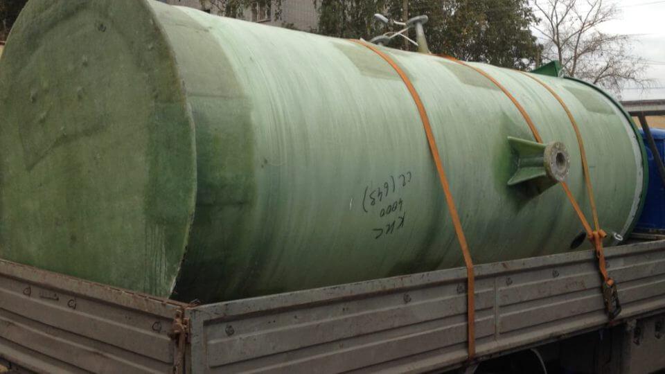Фото №1. Комплектная стеклопластиковая канализационная насосная станция Germes-Plast KNS СП 1,5/4. (Вид 1)