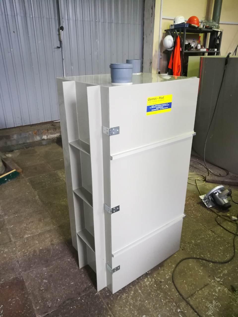 Прямоугольная пластиковая емкость для очистных сооруже-нийПрямоугольная пластиковая емкость для очистных сооружений