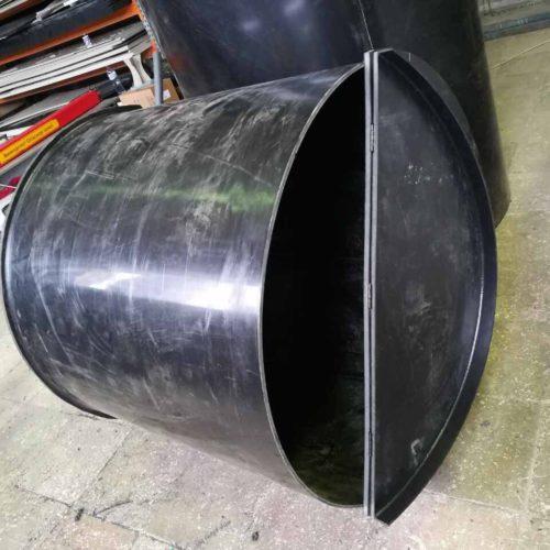 Цилиндрическая пластиковая емкость (химбочка) для хранения щелочи